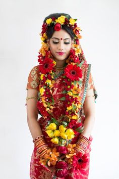 Beautiful South Asian Brides South Asian Bride, South Asian Wedding, Flower Jewellery For Mehndi, Bengali Wedding, Colourful Outfits, Indian Girls, Bride Gifts, Wedding Colors, Mehendi