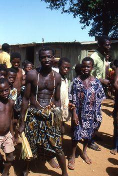 Cérémonie Vaudou dont j'ai du m'extraire sous peine de complications. Benin 1986.