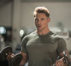 Gymshark Short Sleeve T-Shirts & Tops Muscle Fitness, Muscle Men, Mens Fitness, Steve Cook Bodybuilding, Bodybuilding Workouts, Gym Workouts For Men, Gym Outfit Men, Kettlebell Training, Evolution T Shirt