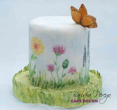 Torta dipinta con farfalla in gum paste Painted cake with edible butterfly