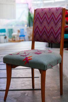 Cadeira vintage reformada com estofado especial x Estudio Gloria, São Paulo…