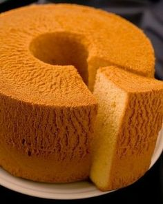 Light and Fluffy Chiffon Cake Easy! Light and Fluffy Chiffon Cake Easy Cake Recipes, Sweets Recipes, Fluffy Chiffon Cake Recipe, Bolo Cake, Light Cakes, Traditional Cakes, Different Cakes, Polish Recipes, Polish Food