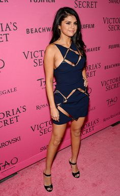 Selena Gomez After Party Look of Victoria's Secret Fashion Show 2015 Selena Gomez Fashion, Selena Gomez Fotos, Selena Gomez Outfits, Vestido Selena Gomez, Selena Gomez Pictures, Selena Gomez Style, Hot Girls, Look Formal, Marie Gomez