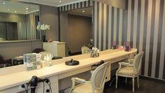 SALON CHRISTINE – PARIS 15 / Au cœur du 15ème arrondissement de Paris, le salon de coiffure Christine vous accueille dans un lieu chic et moderne !