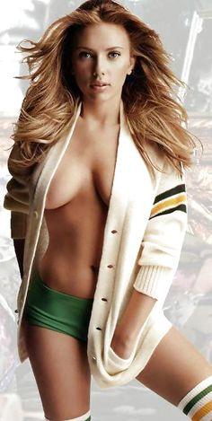 Scarlett Jonhansson cardigan