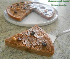 Castagnaccio alla toscana, tradizionale, farina di castagne, vegano