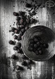 Black & White Appetizer Recipes | Vanilla Custard with Blackberries | www.littlerustedladle.com #blackberry #custard #dessert