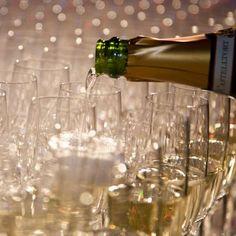 proosten met champagne