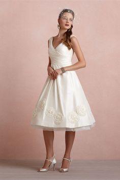 Lovely V Back Taffeta A line V Neck Wedding Dress
