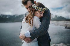 intimate embrace between this pair of lovers captured by Joanna Jaskólska Fotografia