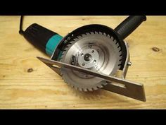 Cool idea from a angle grinder! I wish I'd known about it before! - YouTube Metal Bending Tools, Metal Working Tools, Metal Tools, Cool Tools, Diy Tools, Pliage Tole, Diy Furniture To Sell, Angle Grinder Stand, Garden Lighting Diy