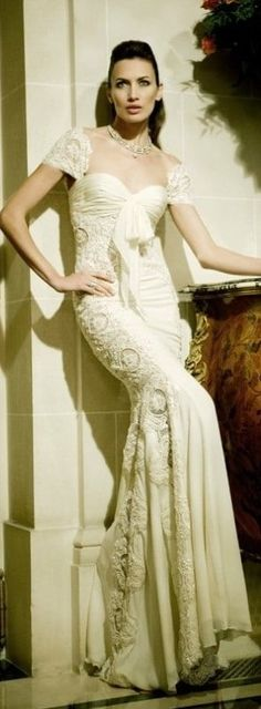 Zuhair Murad, Off White Dresses, Elegant Dresses, Formal Dresses, Cream Dresses, Elie Saab, Marchesa, Bridal Gowns, Wedding Gowns