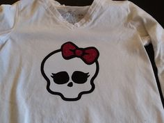 Monster High done with glitter heat transfer vinyl and flocked. Done with my #Silhouette Cameo.
