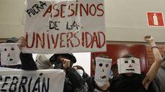 Felipe González Cal viva, bipartidismo, Transición, Impunidad, Universidad Libertad de Expresión Libertad de Comunicación