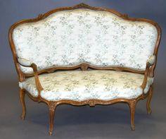 Expertise - Meubles Louis XV - Commode - Meuble Ancien - Commissaire priseur - Expert en vente aux encheres - SVV - Vente publique - Expert en Meubles et Objets d'Art - Coiffeuse - Poudreuse - Psyché - Epoque - Style - Expertise - Drouot - Christie's Sotheby's - Estimation en ligne - Lettre des experts gratuite - Estimation - Cabinet d'experts en meubles et objets d'art | Authenticité