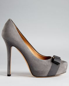 Salvatore Ferragamo Pumps - Trilly Bow