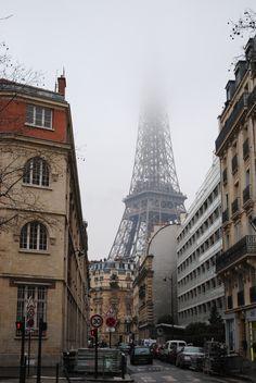 The Eiffel Tower in the fog, Paris, France Oh The Places You'll Go, Places To Travel, Places To Visit, Paris Torre Eiffel, Tuileries Paris, Magic Places, Tours, Paris Photos, Adventure Is Out There