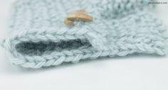 Cómo cerrar puntos a dos agujas Aprende como cerrar puntos a dos agujas con este videotutorial explicado paso a paso. Cerrar puntos a dos agujas con dos métodos: tradicional y elástico. #knitting #DIY #tejer #crochet #tricot Lana, Diy Crafts, Blog, Knitting, Home Decor, Top Coat, Neckline, Types Of Tissue, Tejidos