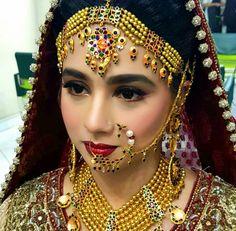 Bridal Makeup Looks, Bridal Looks, Bridal Style, Gold Rings Jewelry, Bridal Jewelry, Jewelery, Pakistan Bride, Pakistani Bridal Makeup, Gold Ring Designs