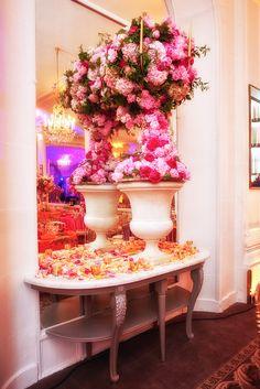 pr catelan compositions florales sur le thme yves saint laurent par eric chauvin - Pr Catelan Mariage