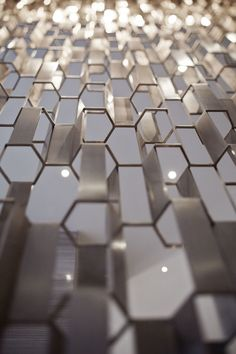 ideas for metal screen architecture texture Screen Design, Wall Design, Design Design, Interior Design Blogs, Wall Patterns, Textures Patterns, Concours Design, Texture Metal, Geometry