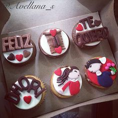 Cupcakes love toppers