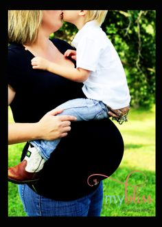 Maternity with a Toddler #maternity #photography #toddler