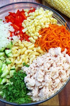 Cold Chicken Pasta Salad Recipe with a Rainbow of Veggies Need healthy lunch box ideas? This cold chicken pasta salad recipe with a rainbow of veggies will be a big hit. It is a super easy pasta salad recipe! Chicken Pasta Salad Recipes, Tuna Salad Pasta, Easy Pasta Salad Recipe, Best Salad Recipes, Healthy Recipes, Cold Chicken Recipes, Crab Salad, Recipe Chicken, Healthy Food