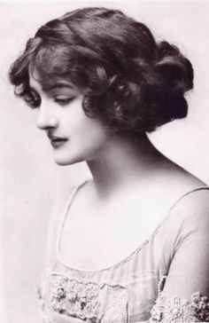 """Lily Elsie, the most photographed woman of Edwardian times... """"Everyone agrees that Lily Elsie has the most kissable mouth in all England... she possesses the Cupid's bow outline with the ends curving upward delicately, all ready for smiles.... Strangely enough, the women of the land were among her most devoted admirers."""" - Lily Elsie Recalls her Renunciation"""", Atlanta Constitution, 21 November 1915:"""