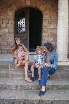 10 vintage photos of Serge Gainsbourg and Jane Birkin on vacation Charlotte Gainsbourg, Serge Gainsbourg, Gainsbourg Birkin, Solange Knowles, Emmanuelle Alt, Rachel Zoe, Miroslava Duma, Vogue Paris, Jean Rapiécé