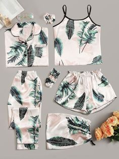 To find out about the Tropical Print Satin Pyjama Set at SHEIN, part of our latestPajama Sets ready to shop online today! Cute Sleepwear, Sleepwear Women, Pajamas Women, Cute Pajama Sets, Cute Pajamas, Satin Pyjama Set, Satin Pajamas, Pyjamas, Mode Kimono