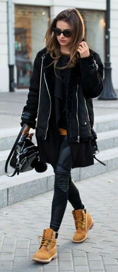"fashion-clue: "" justthedesign: "" Julietta Kuczyńska wears a punky black shearling jacket over leather leggings, paired with classic Timberland boots. Mode Outfits, Fall Outfits, Casual Outfits, Fashion Outfits, Outfit Winter, Tomboy Winter Outfits, Winter Boots Outfits, Outfit Summer, Winter Shoes"
