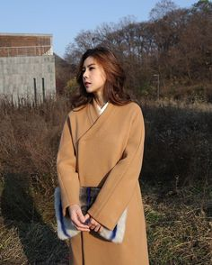 . Modern Fashion, Asian Fashion, Unique Fashion, Hijab Fashion, Fashion Outfits, Fashion Design, Korean Traditional Dress, Traditional Dresses, Korean Dress