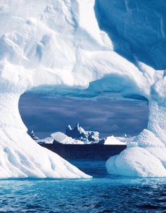 146599764-heart-shaped-hole-in-an-iceberg-gettyimages.jpg (366×469)