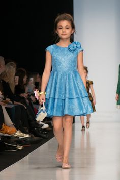 Cute Little Girl Dresses, Dresses Kids Girl, Kids Outfits, Baby Girl Birthday Dress, Baby Dress, African Dresses For Kids, Kids Dress Wear, Baby Girl Dress Patterns, Kids Frocks Design