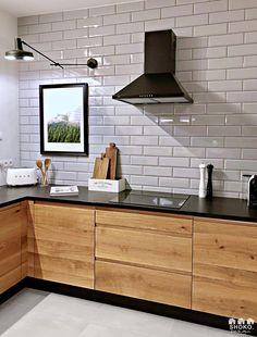 modern Scandinavian home interior design 5 Kitchen Room Design, Home Decor Kitchen, Interior Design Kitchen, Kitchen Furniture, New Kitchen, Home Kitchens, Interior Decorating, Industrial Kitchen Design, Scandinavian Home Interiors