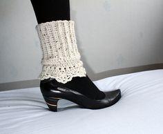 Ravelry: crochet lacy edge boot cuff, leg warmer pattern by pearl hegedus Crochet Boot Cuffs, Crochet Leg Warmers, Crochet Boots, Knit Boots, Crochet Slippers, Crochet Clothes, Guêtres Au Crochet, Ravelry Crochet, Crochet Motifs