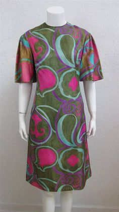 1960's Alfred Shaheen Silk Floral Print Short Sleeve Shift Dress / Mod Sheath    Size: 35 Inch Bust by MTvintageclothing on Etsy