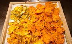 Chipsuri raw / Raw home made chips Good Healthy Recipes, Raw Food Recipes, Diet Recipes, Cooking Recipes, Healthy Food, Roh Vegan, Vegan Vegetarian, I Want To Eat, Vegan Snacks