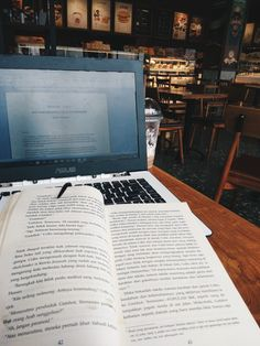 Honestly i study more effectively in local coffee shop than school. #study