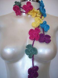 Collana a fiori crochet
