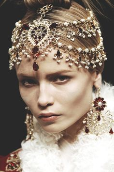 alexander mcqueen f/w 2008 'the girl who lived in a tree, natasha poly