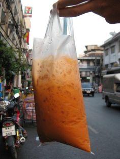 Thai tea from a street vendor in Bangkok -- if you've been to Southeast Asia, you understand! Thai Ice, High Tea Food, Bbq Tofu, Food Truck Business, Thailand Travel Tips, Street Vendor, Thai Restaurant, Dessert Drinks, Desserts
