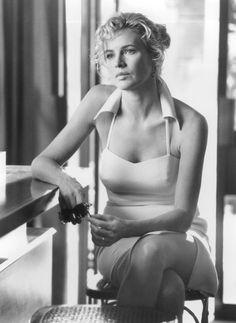 Still of Kim Basinger in Getaway - Rymmarna (1994) http://www.movpins.com/dHQwMTA5ODkw/the-getaway-(1994)/still-3927608832