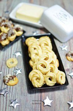 Reţetă Fursecuri fragede cu unt - Arome în bucătărie Unt, Cereal, Breakfast, Food, Morning Coffee, Essen, Meals, Yemek, Breakfast Cereal