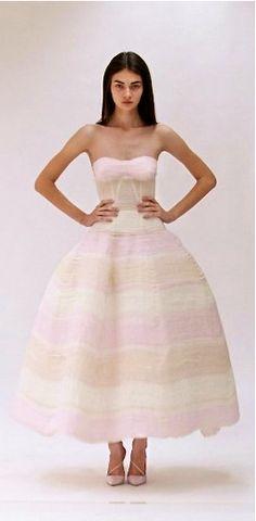 New dior bridal collection raf simons ideas Dior Haute Couture, Couture Mode, Couture Fashion, I Love Fashion, High Fashion, Fashion Show, Fashion Outfits, Fashion Design, Fashion 2020