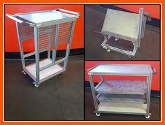 Carros de almacenamiento hechos a medida con perfiles de aluminio y accesorios MiniTec.