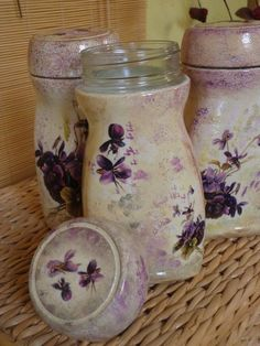 The world's catalog of creative ideas Recycled Jars, Recycled Glass Bottles, Recycled Crafts, Diy And Crafts, Diy Bottle, Wine Bottle Crafts, Mason Jar Crafts, Bottle Art, Decoupage Jars