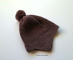 Con hilos, lanas y botones: Gorro con orejeras para bebé How To Make Ornaments, Baby Hats, Knitted Hats, Winter Hats, Beanie, Crafty, Knitting, Fashion, Wisdom