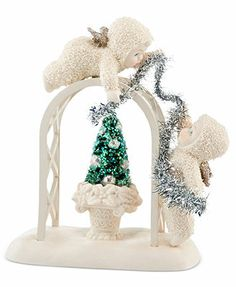 Department 56 Collectible Figurine, Snowbabies SnowDream Trimming the Trellis